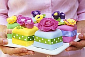 Marzipan cakes decorated with flowers
