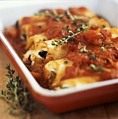 Canneloni with tomato sauce and thyme