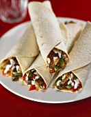 Fajitas with beef and vegetable filling