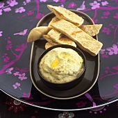 Baba ganoush (aubergine spread) with pita bread