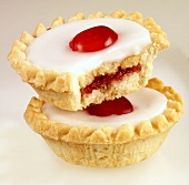 Cherry Bakewell tarts (UK)