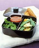Fenchel-Orangen-Salat mit Zuckererbsen, Tomaten-Senf-Dressing