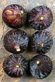Six fresh figs