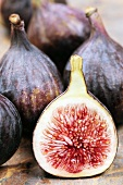 Whole figs with half a fig