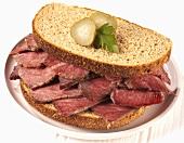 Corned beef sandwich on rye bread
