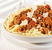 Spaghetti al ragù coi funghi (Pasta with meat & mushroom sauce)