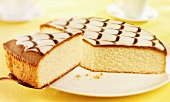 Iced lemon cake