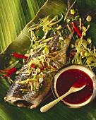 Pla Pah Sah (Fischfilet im Bananenblatt gedämpft, Thailand)