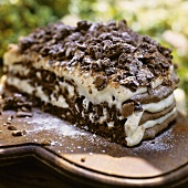 Chocolate and pine nut meringue