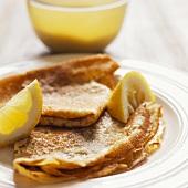 Pancakes with sugar and lemon