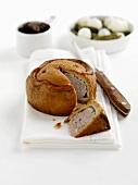 Melton Mowbray pork pie with pickles (England)