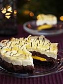 Chocolate gateau with crepes