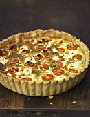 Cheese, spinach and tomato quiche