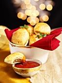 Cornish Pasties mit Tomatendip (weihnachtlich)