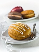 Whoopie Pies (cookies with cream filling, USA)