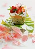 Aumoniere with pistachios, strawberries and raspberries