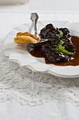 Vitello al vino rosso (braised veal checks in Lagrein sauce)