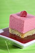 Pistachio cake with raspberry mousse