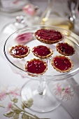 Tartlets with redcurrants