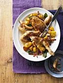 Brathähnchen mit Speck, Birnen und Kartoffeln