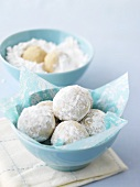 Coconut balls with icing sugar