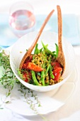 Unripe spelt grain salad with green beans