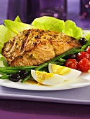 Salmon fillets with a salade niçoise