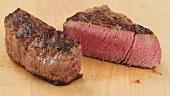 Garstufe von Steak prüfen (Handballen-Test)