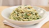 Pasta aglio e olio (Nudeln mit Knoblauch & Olivenöl, Italien)