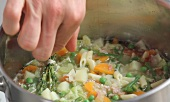 Minestrone being prepared (German Voice Over)