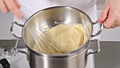 Making zabaglione (German Voice Over)
