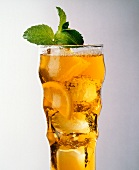 Iced Tea with Lemon and Mint Garnish