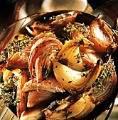 Caramelised red onions with fresh thyme