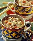 Zuppa di fagioli (Bohnensuppe mit Tomaten, Nudeln, Parmesan)
