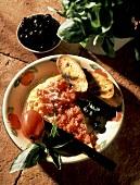 Frittata al pomodoro (Frittata with tomato sauce and olives)