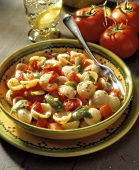 Pasta alla catanese (Pasta shells with olives and tomatoes)