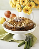 Apple Spice Crown Cake