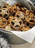 Mini Mince Pies in a Cookie Tin