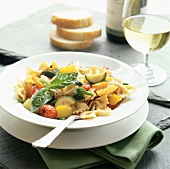 Farfalle alla toscana (Bow-tie pasta with vegetables & basil)