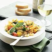 Farfalle alla toscana (Nudeln mit Gemüse & Basilikum)
