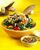 Colourful spinach salad with mushrooms and rice from Cuba