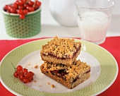 Red Currant Jam Bars with Crumb Topping and a Glass of Milk