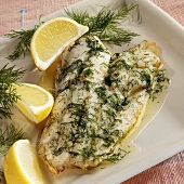 Fischfilet mit Dill und Zitronen