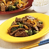 Sesame Beef with Broccoli and Yellow Bell Pepper