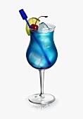 Cocktail mit Bacardi und Blue Curacao