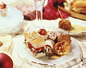 Filled focaccia, wraps and deep-fried vegetable balls