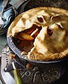 Peach pie (USA), a piece taken
