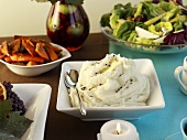 Mashed potato & other accompaniments for festive meal (USA)