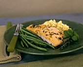 Salmon fillet with French beans