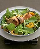 Salad leaves with roast beef